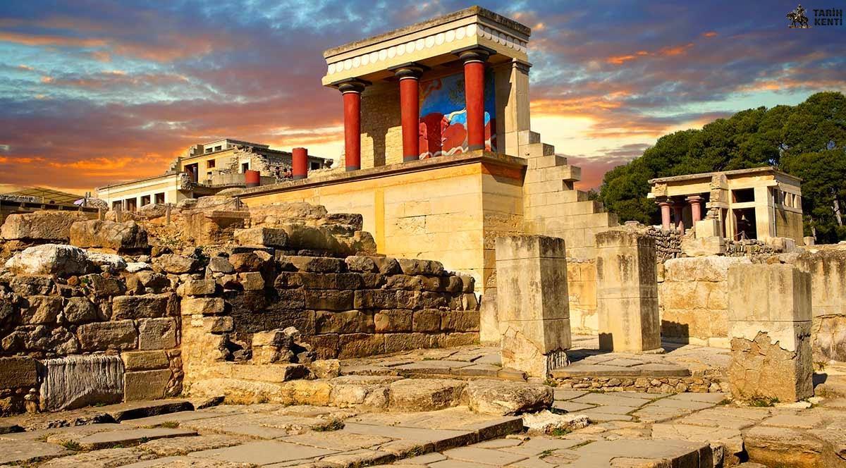 Knossos Sarayı | Knossos Sarayı Yapısı M. Ö. 1900